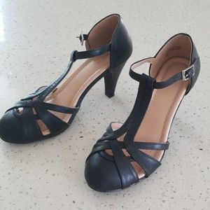 Chase and Chloe Black Heels